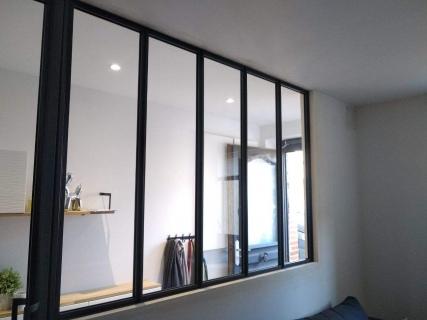 installation-verriere-interieur-metal-design