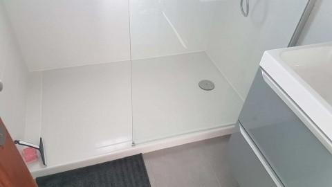 renovation-petite-salle-de-bain-avec-douche