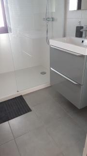 salle-d-eau-avec-douche