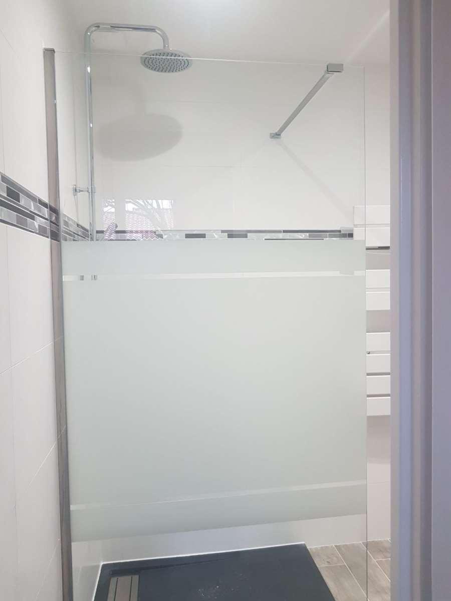 Salle de bain et caniveau de douche design ca renovation - Showroom salle de bain toulouse ...