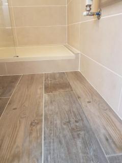 pose-parquet-salle-de-bain-ca-renovation