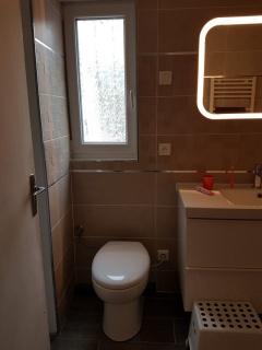 renovation-salle-de-bain-design-artisans