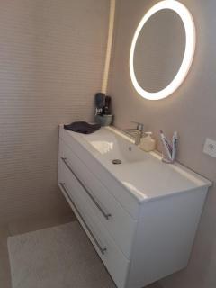 salle-de-bain-design-artisans-renovation