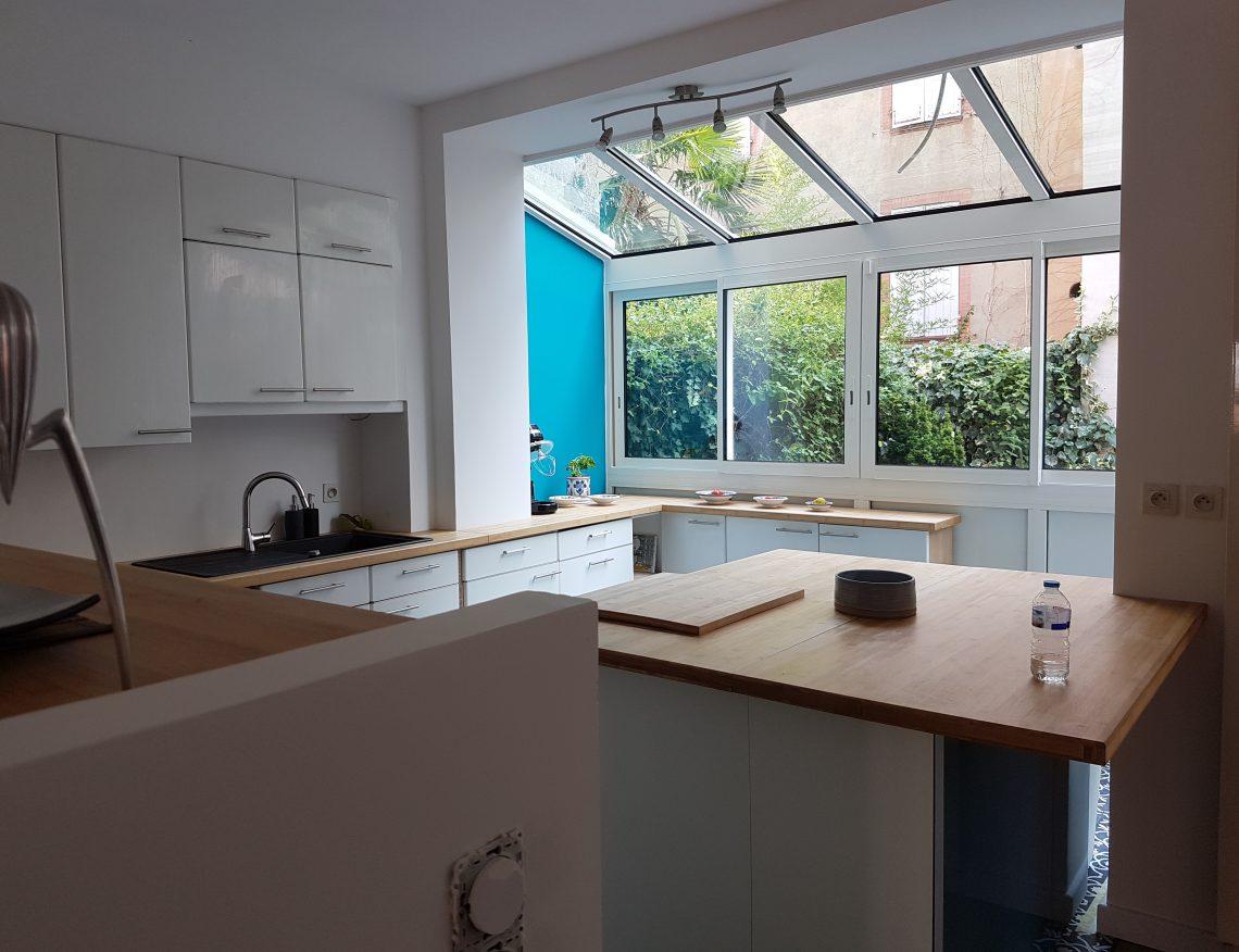 cuisine design avec grande veranda