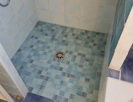 douche avec carrelage mosaïque
