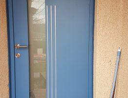 porte entree maison moderne bleu