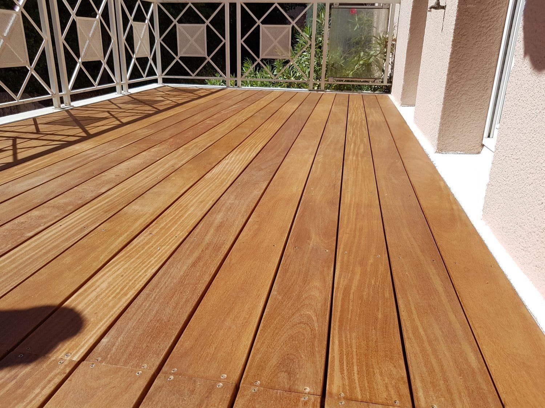 sol terrasse balcon moderne en bois